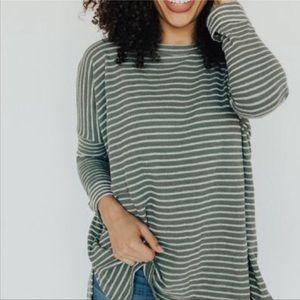 Carly Jean Levi Shirt Green White Long Sleeve Med